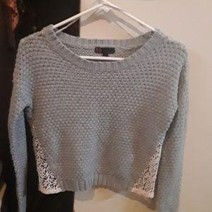 Women's Petite T/O Co. Grey & white sweater w/lace